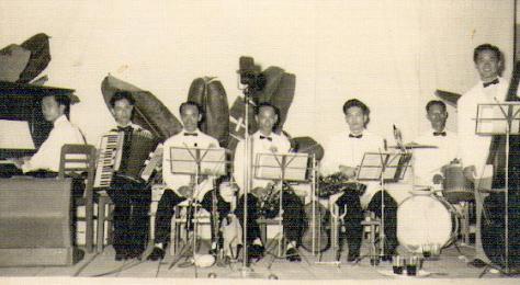 Ban nhạc Hương Xa, Xuân Lôi trưởng ban, đài Tiếng Nói Quân Đội 1957.