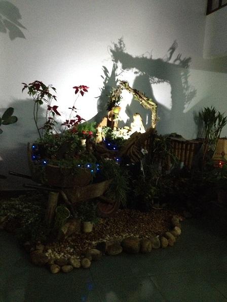 Hang đá trong phòng khách Dòng NVHB (2)