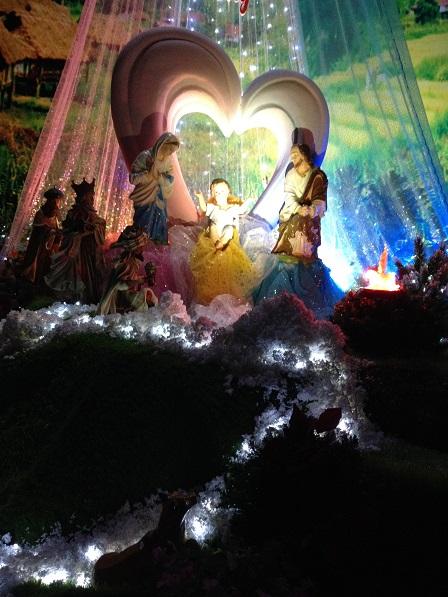 Hang đá trong nhà nguyện Dòng NVHB (2)