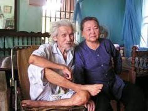 hi sĩ Hữu Loan và người vợ thứ hai, bà Phạm Thị Nhu.