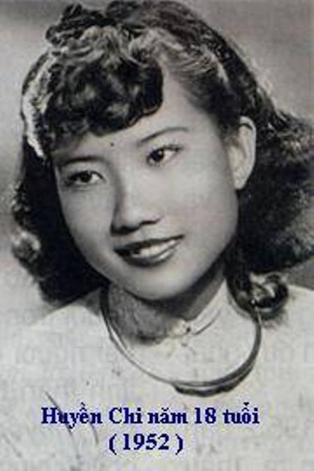huyenchi_Thi sĩ Huyền Chi năm 18 tuổi