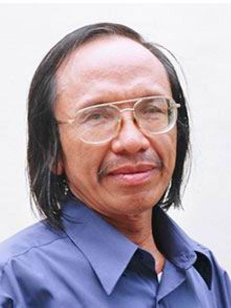 Thi sĩ Linh Phương.
