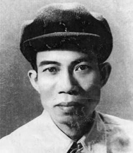 Thi sĩ Nguyễn Bính (1918 – 1966).