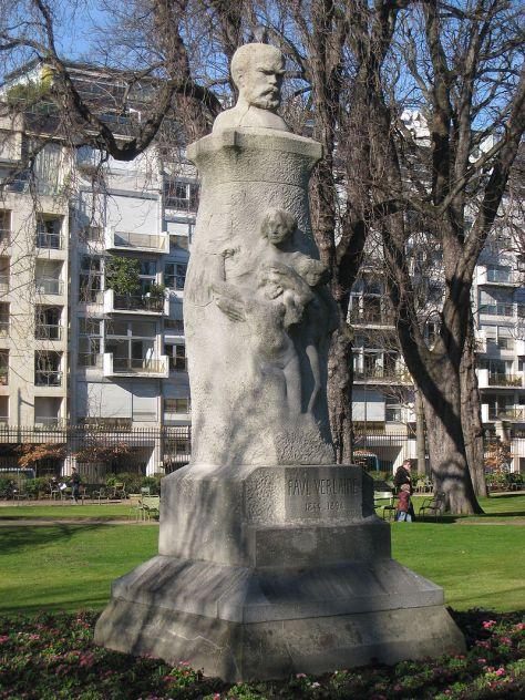 Tượng của Thi sĩ Paul-Marie Verlaine.