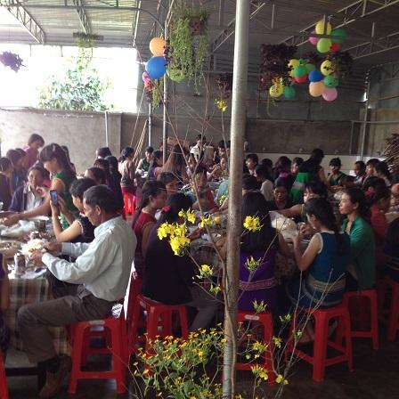 16/ Ảnh bữa cơm Tất niên gia đình của nhà Lưu trú năm 2016