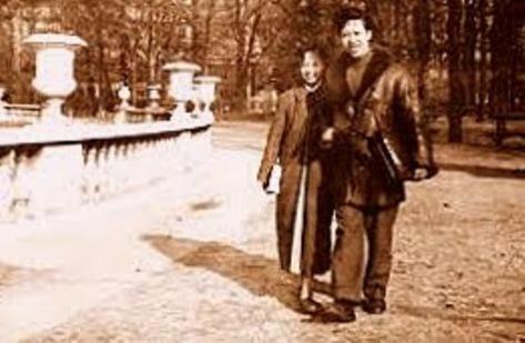 thi sĩ Nguyên Sa & phu nhân Trịnh Thúy Nga - thời sinh viên du học tại Paris (Pháp).