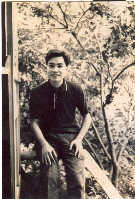 Thi sĩ Thanh Tâm Tuyền thời trẻ.