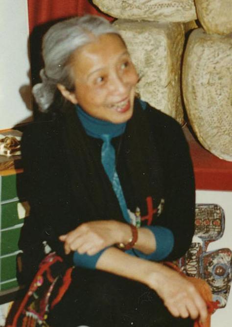 Điêu khắc gia Điềm Phùng Thị.