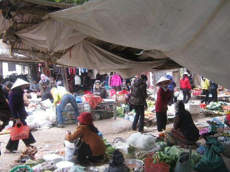 Chợ Cầu Đông, Hoa Lư.