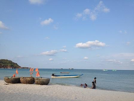 2/ Biển buổi chiều ở bãi kem Phú Quốc