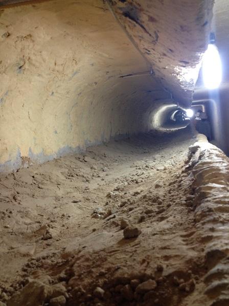 1/ Ảnh đường hầm vượt ngục của tù binh trong trại giam Phú Quốc.