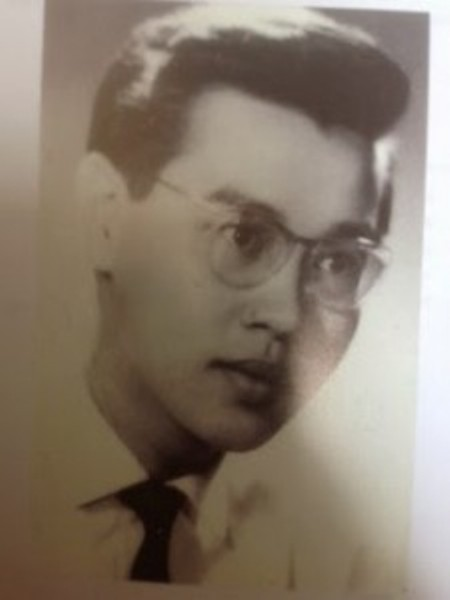 Thi sĩ Mai Trung Tĩnh thời trẻ.