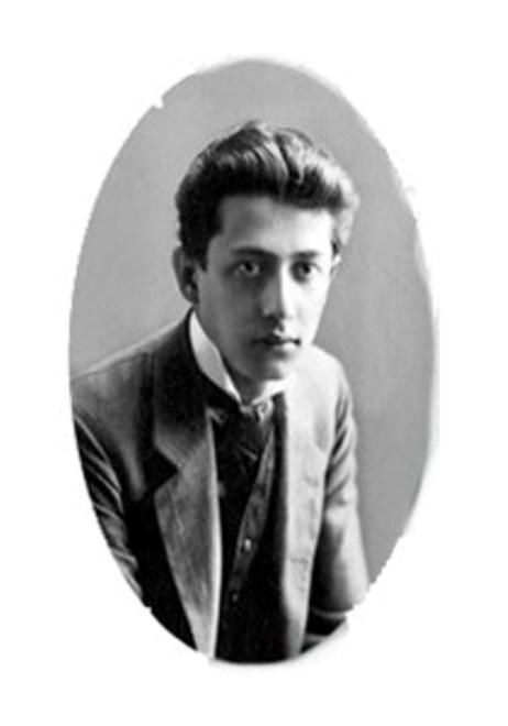 Thi sĩ Konstantin Nikolayevich Podrevsky.