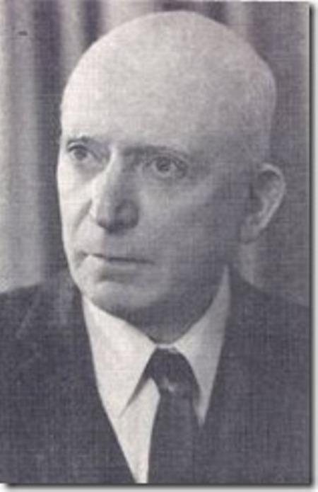 Nhà soạn kịch Aaron Zeitlin.