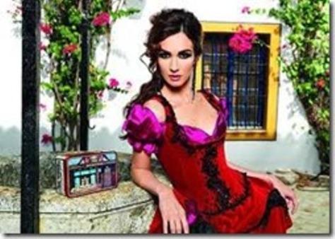 Paz Vega trong vai Carmen.