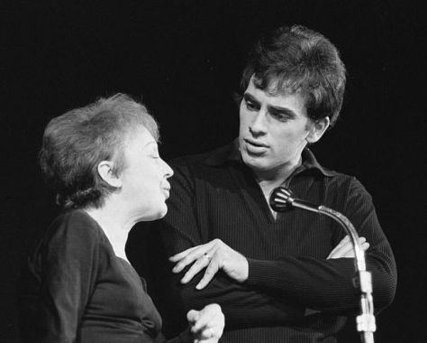 Édith Piaf và Théo Sarapo song ca với nhau.