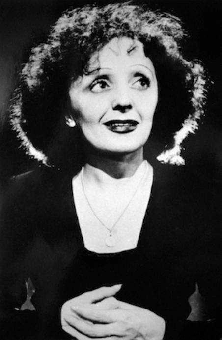 Ca nhạc sĩ Édith Piaf.