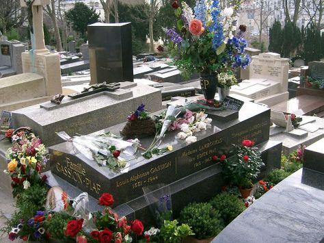 Mộ của Édith Piaf tại nghĩa trang Père-Lachaise, Paris.