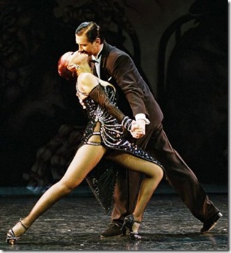 Cặp nhẩy Tango Á-căn-đình.
