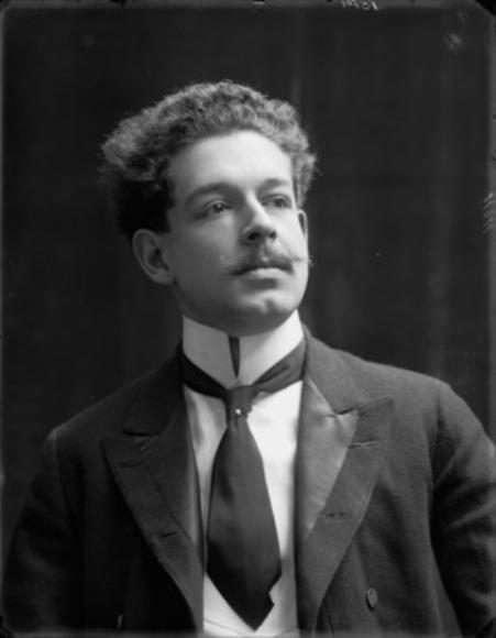 Nhạc sĩ Enrico Toselli.