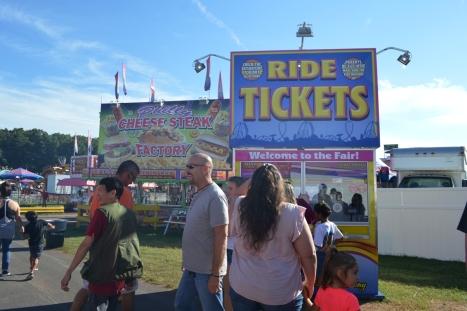 Quày bán vé cho các rides.
