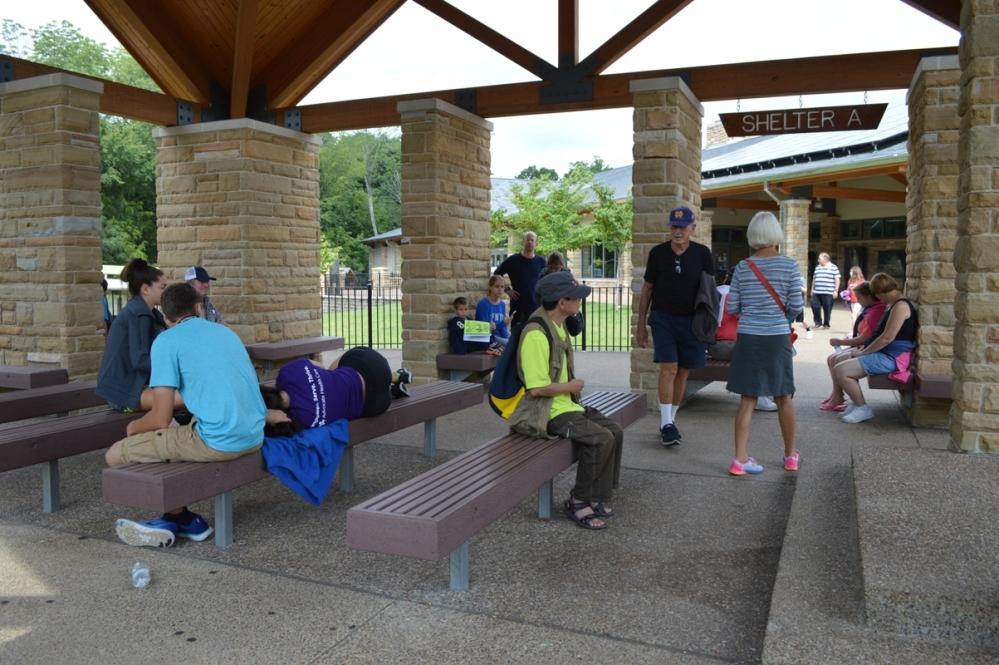 Shelter A - nơi du khách chờ đợi đến giờ đi tour Historic.
