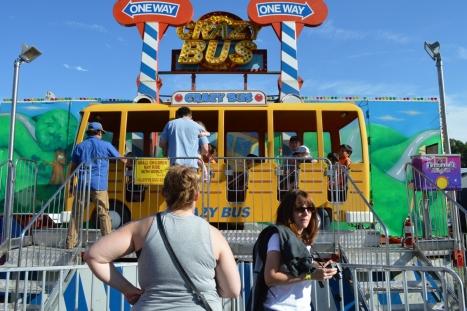 Crazy Bus ride (Xe Buýt Điên) - chạy vòng vòng mấy tua trên trời.