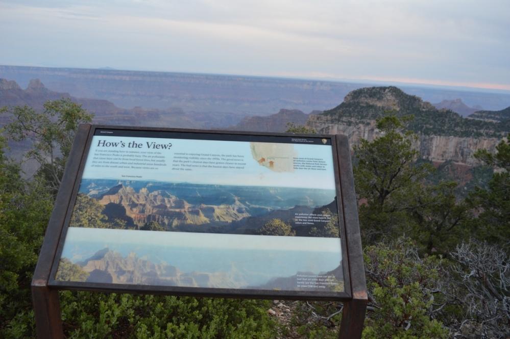 Đường đến khu vực Bright Angel Trail.