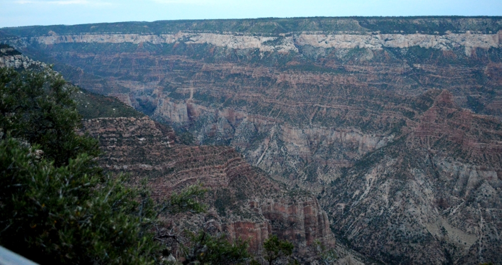 Toàn cảnh bên trái North Rim Canyon.