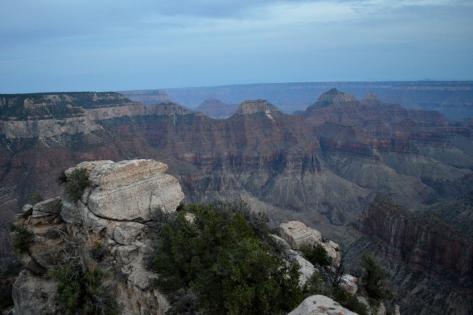 Toàn cảnh phần giữa North Rim Canyon.