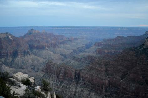 Toàn cảnh bên phải North Rim Canyon.