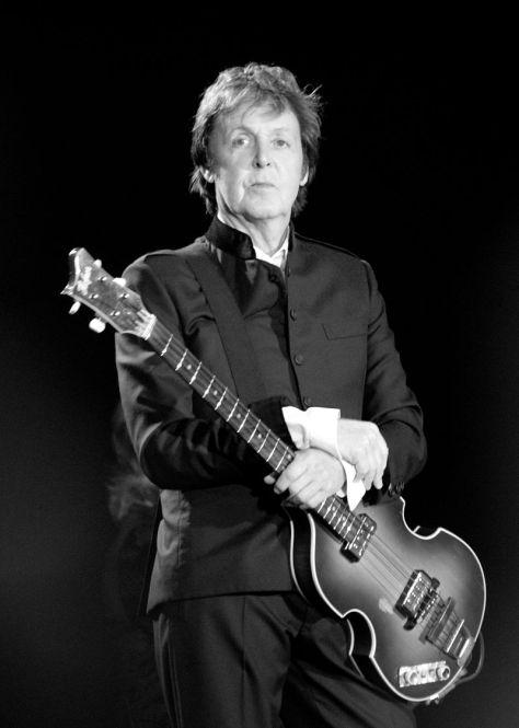 Nhạc sĩ Paul McCartney năm 2010.