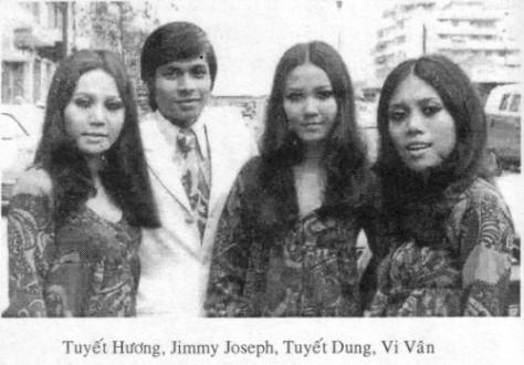 Ca sĩ Vi Vân (Ban tam ca The Apples Three) và NS Jimmy Josefh.