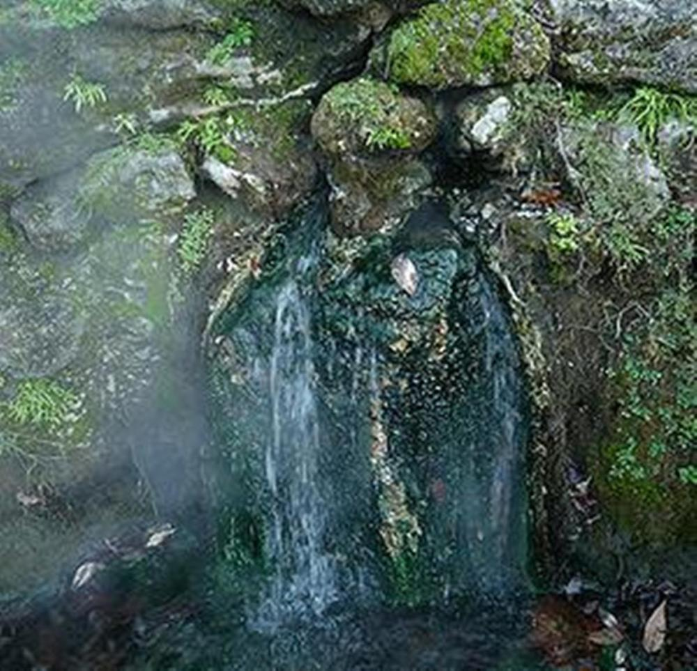 hotspring_One of the hot springs at Hot Springs National Park, Arkansas (Photo credit unknown)