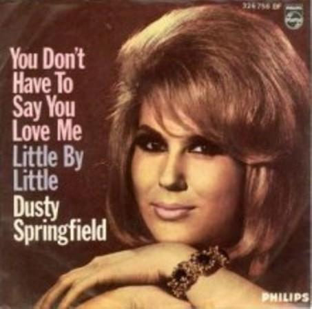 Ca sĩ Dusty Springfield.