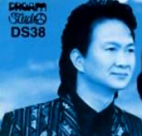 Ca sĩ Duy Quang.
