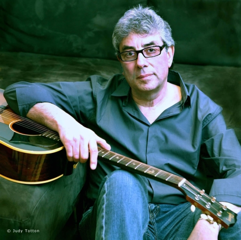Ca nhạc sĩ Graham Gouldman.