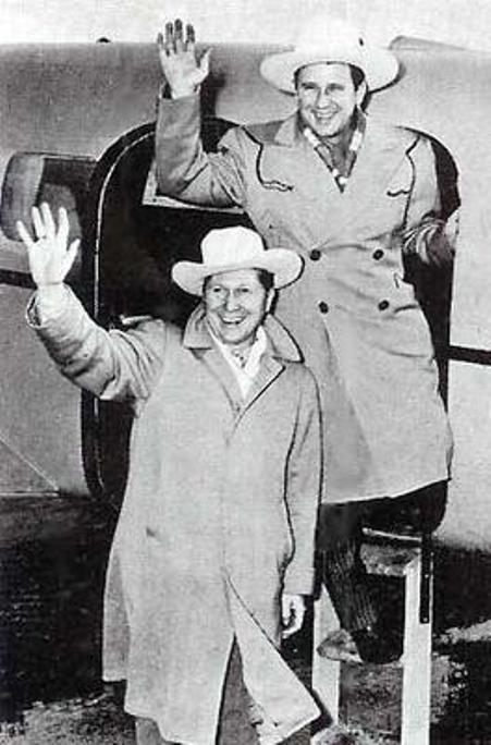 Pee Wee King và Redd Stewart.
