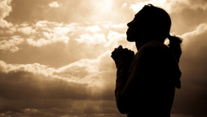woman-praying-silhoutte