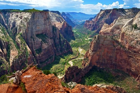 Toàn cảnh khu vực Zion Canyon nhìn từ điểm Observation Point. Chào tạm biệt Zion National Park.