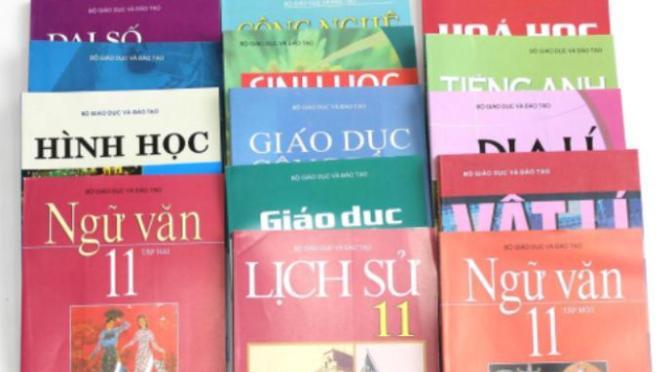 Sách giáo khoa ở Buôn Làng