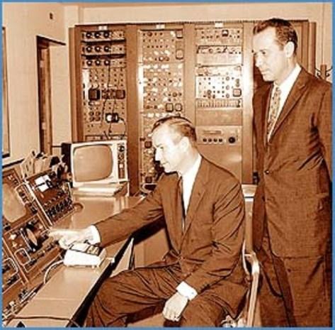 Hai anh em Carlos Eleta Almarán và Fernando Eleta Almarán.