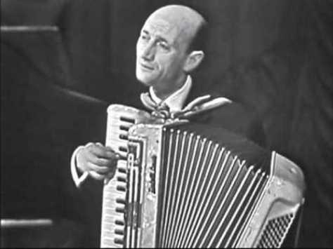 Nhạc sĩ Louis Ferrari.