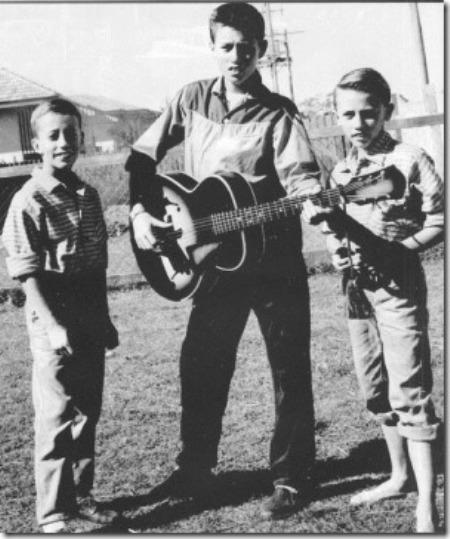 Bee Gees (hình chụp năm 1960).
