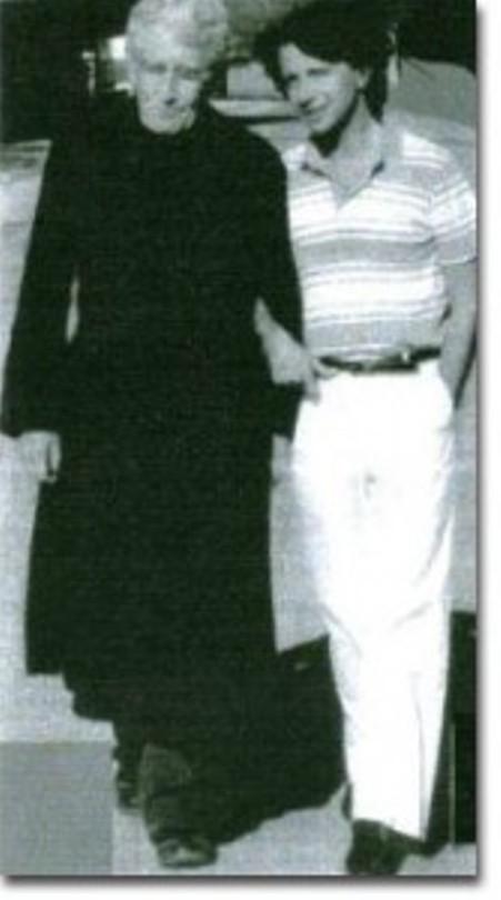 Cha Denis Angrand và René Villard.