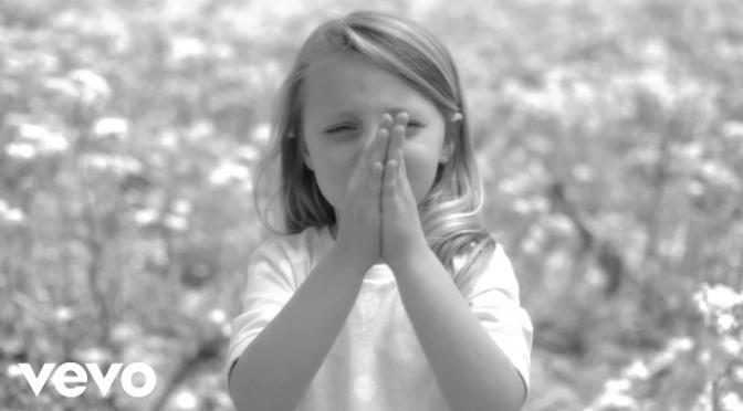Cầu nguyện cho hòa bình – Pray for peace