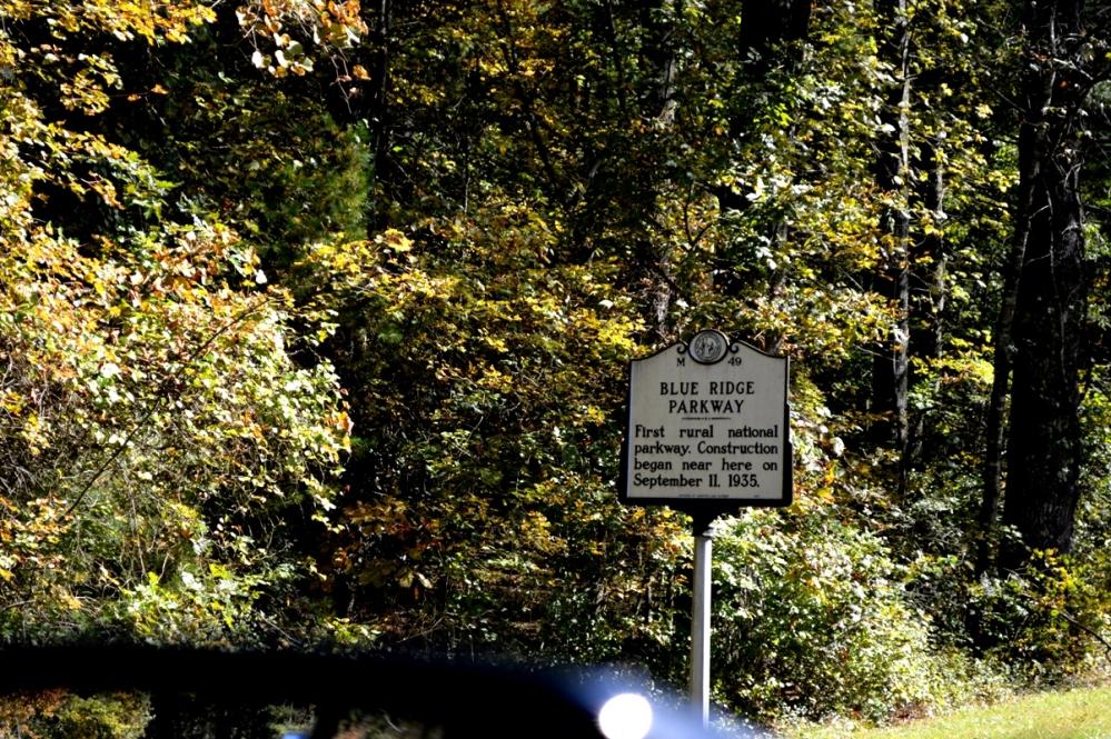 Điểm móc Blue Ridge Parkway được khởi đầu xây dựng ngày 11 tháng 9 năm 1935.