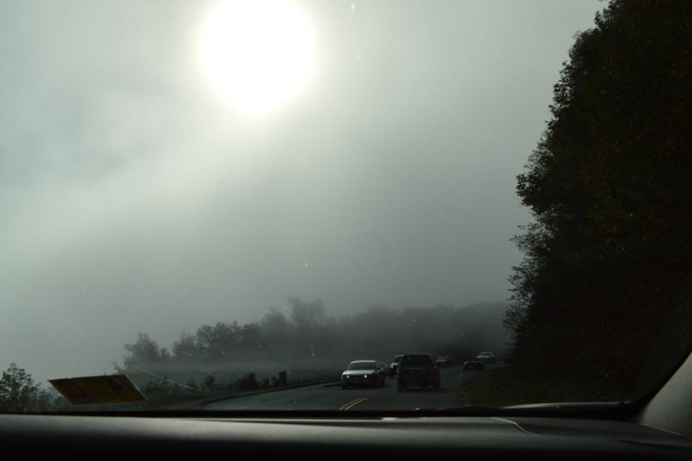 Mặt trời đang cố gắng hiện ra.
