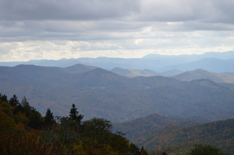 Thêm vùng núi có cư dân ở.
