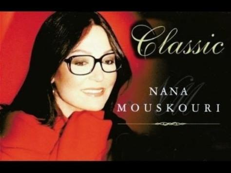 Danh ca Nana Mouskouri.